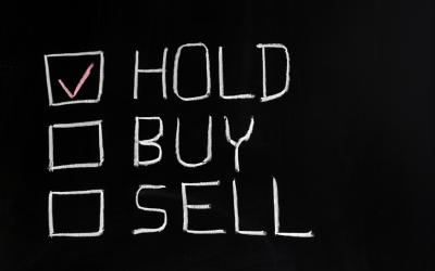 Inwestowanie długoterminowe na giełdzie. Stopy zwrotu i jak kupić akcje na długi termin?